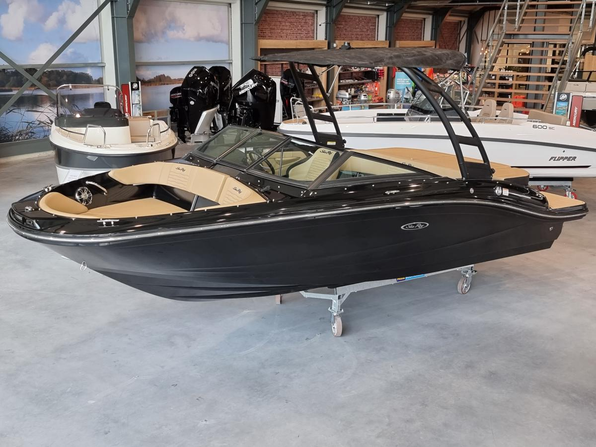Te koop Sea Ray SPX 190 Black Beauty Sportboten | Bomert Watersport