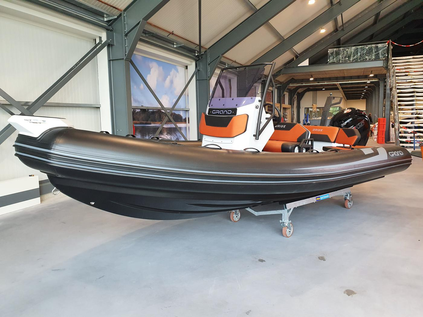 Te koop Grand D600 HL Lux Rubberboten | Bomert Watersport