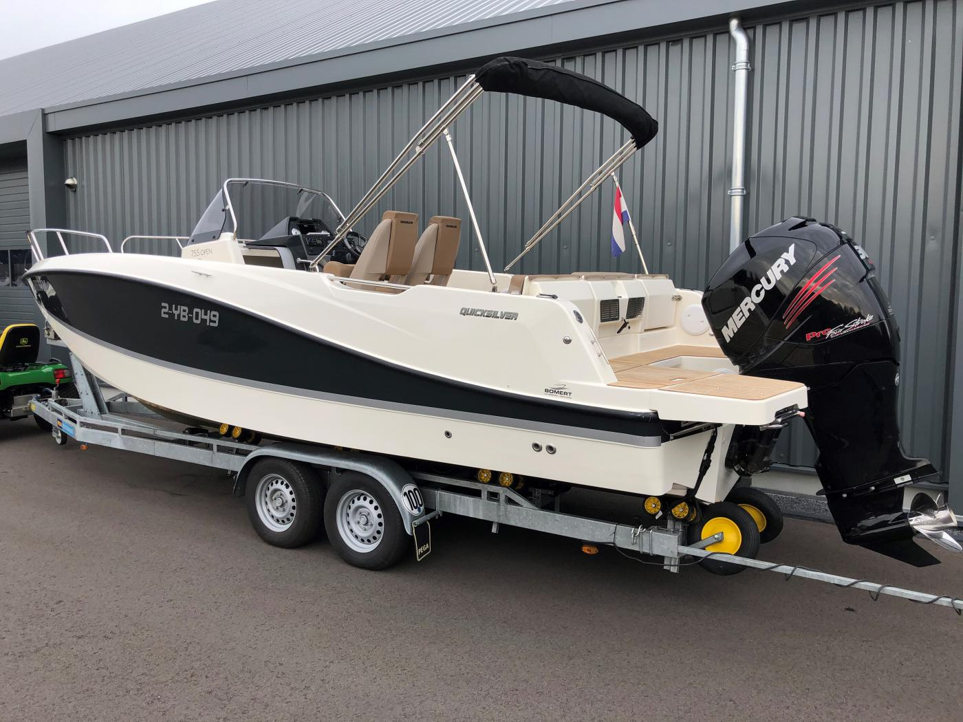 Te koop Quicksilver  755 Open Consoleboten | Bomert Watersport