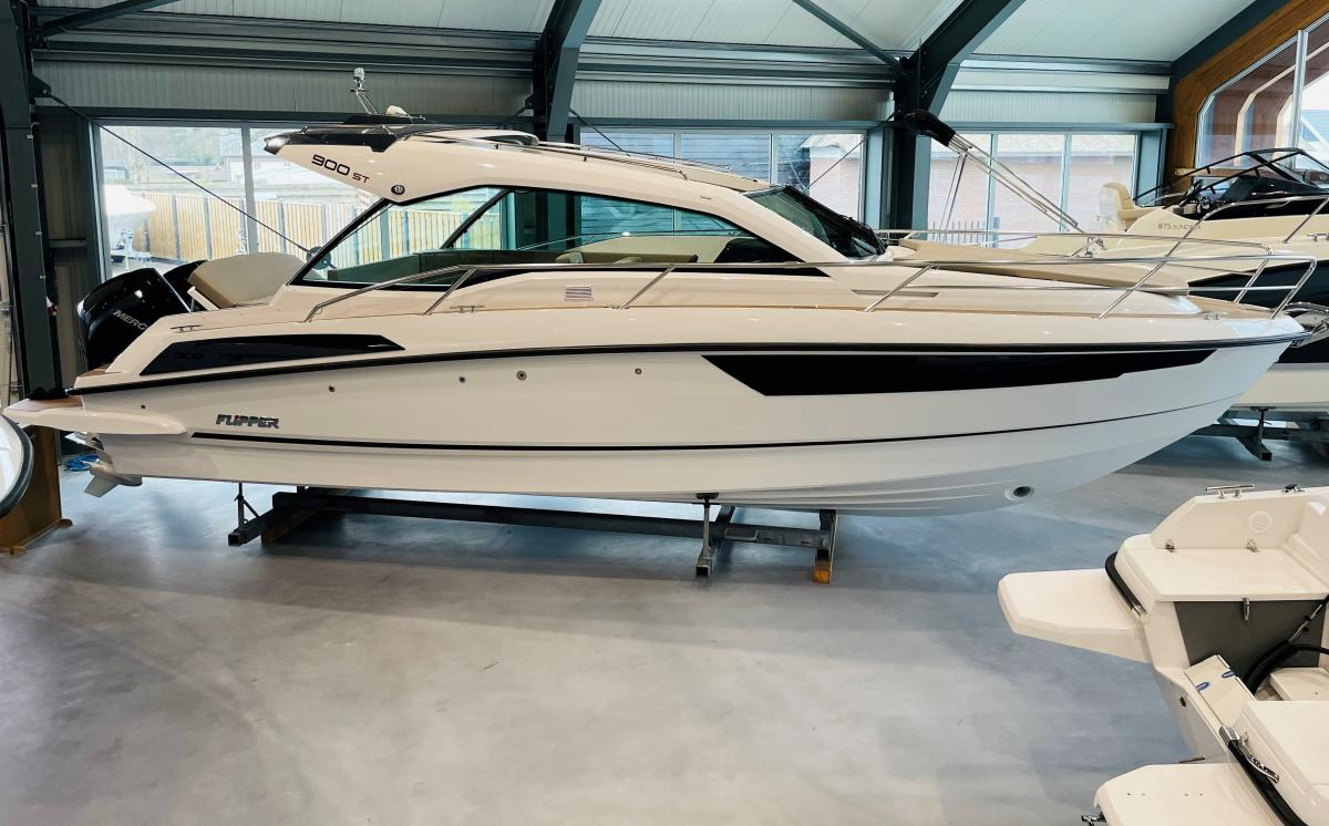 Te koop Flipper 900 ST Sportcruisers | Bomert Watersport